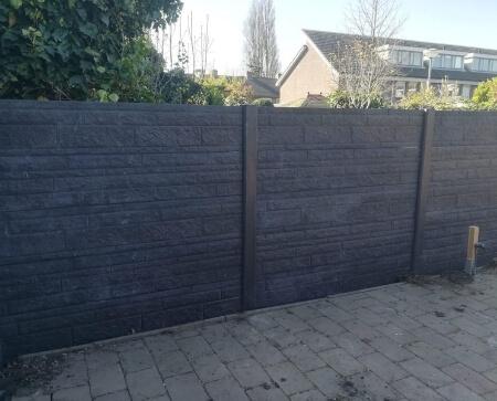 betonnen tuinschutting grijs rotsmotief