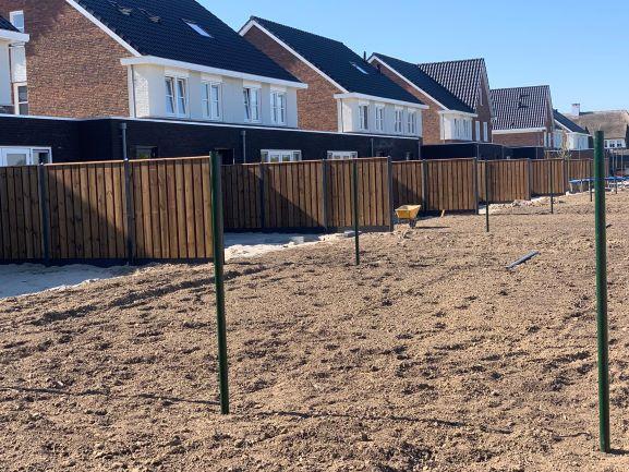 Nobifix hout schutting tuin nieuwbouw beton palen grijs